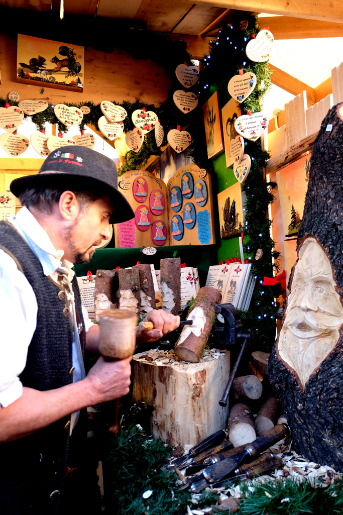 artigiani ai mercatini di natale a trento