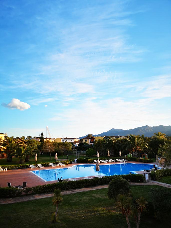 Hotel Santa Gilla piscina