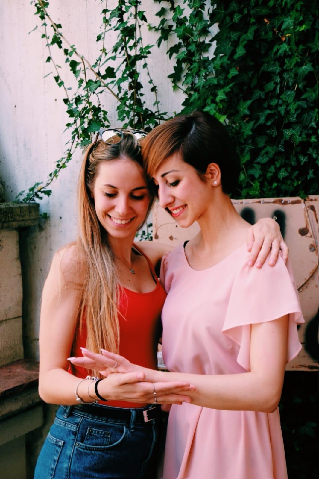 promessa di matrimonio sorelle