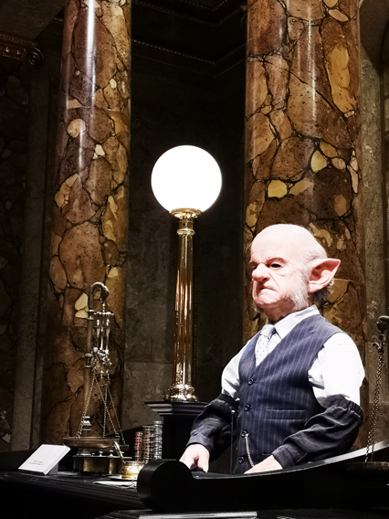 harry-potter-studios-gringotts-goblin