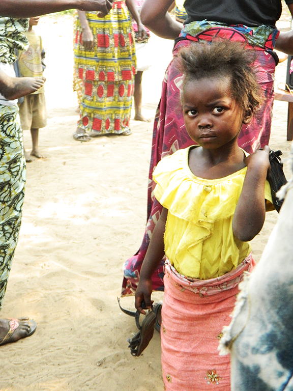 Sguardo bambina africana