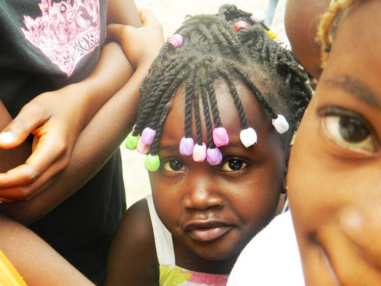 Bambina Congo sguardo
