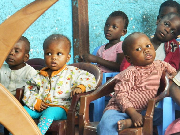 Bambini orfanotrofio Kinshasa
