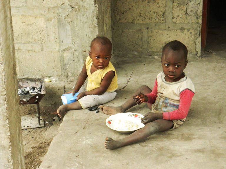 Congo bambini fame