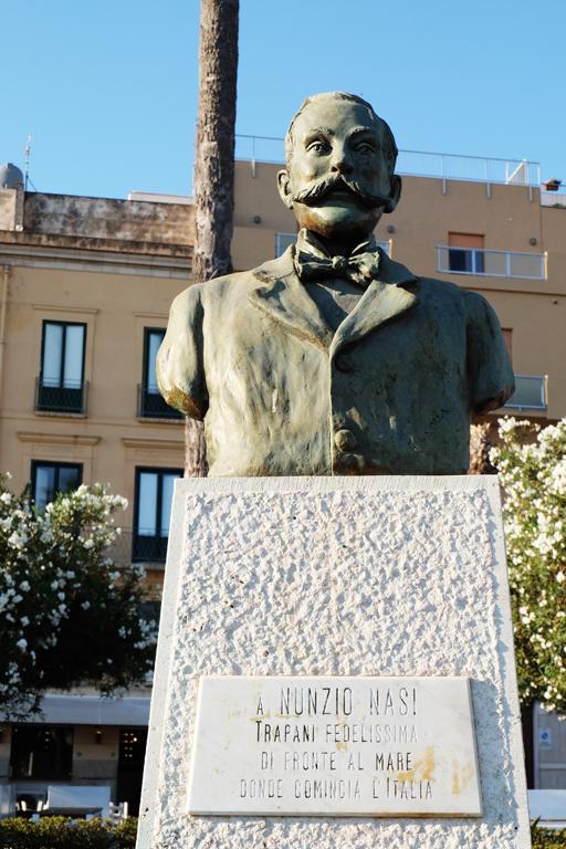 Statue Trapani