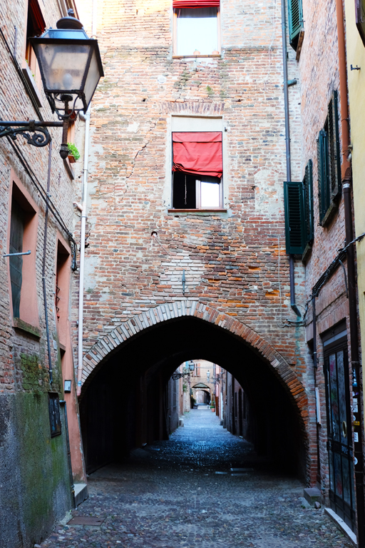Visitare Ferrara Via delle Volte