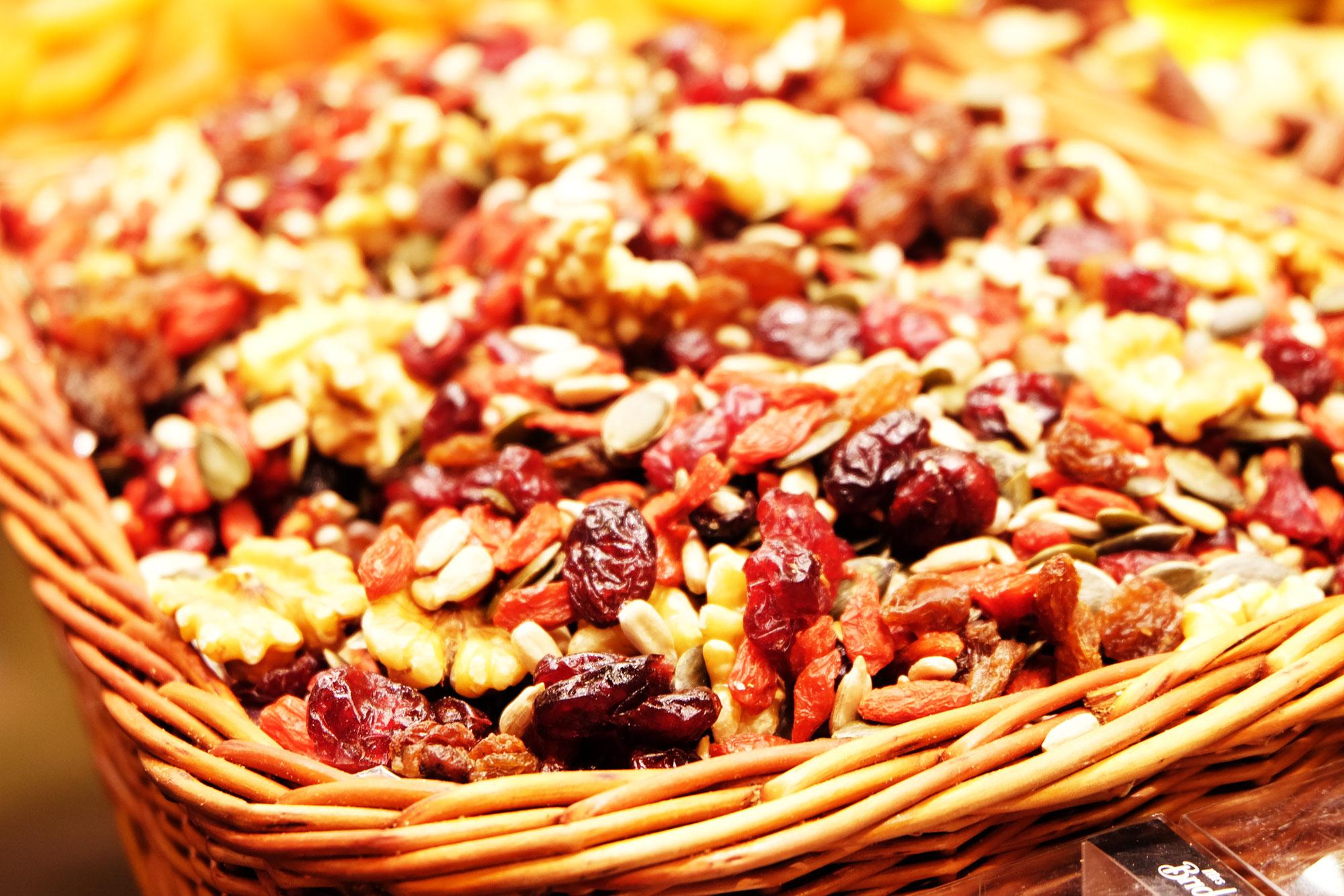 mercato-bouqueria-frutta-secca