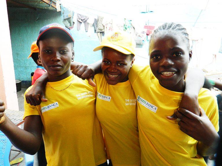 Ragazze orfanotrofio Africa